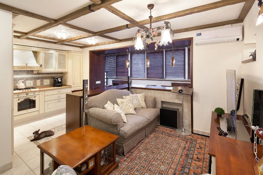 Однокомнатная с балконом с кухни..