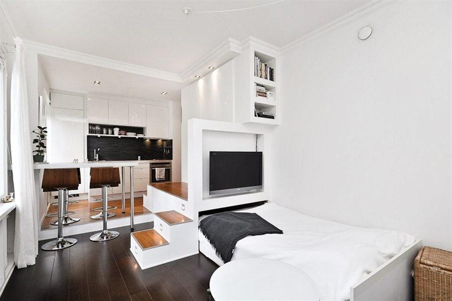 Дизайн студии с подиумом 30 кв.м